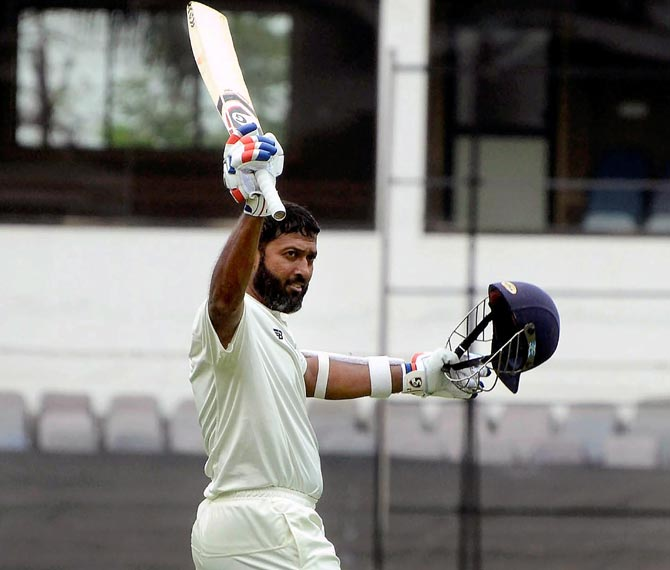Rediff Sports - Cricket, Indian hockey, Tennis, Football, Chess, Golf - Jaffer misses triple ton but Vidarbha pile on the runs