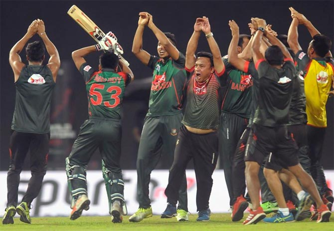 Rediff Sports - Cricket, Indian hockey, Tennis, Football, Chess, Golf - Shakib fined for fracas; Sri Lanka cricket boss slams Bangladesh