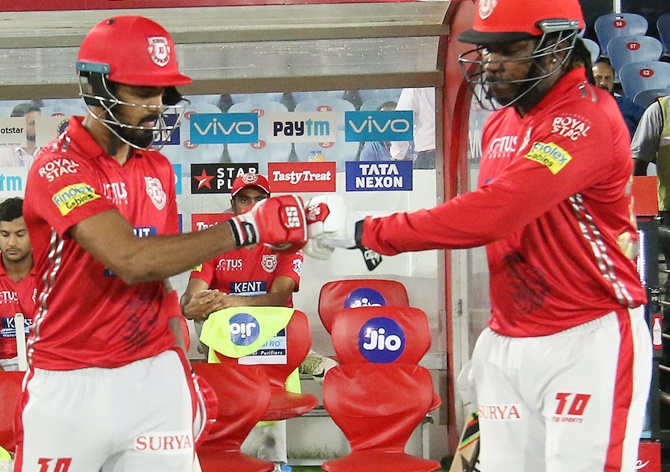 How Gayle made KL Rahul's life easier...