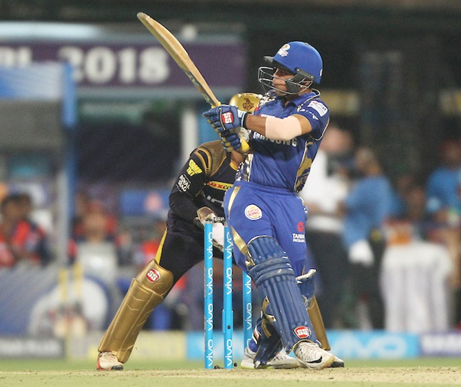 Just like Dhoni, Ishan hits a helicopter shot