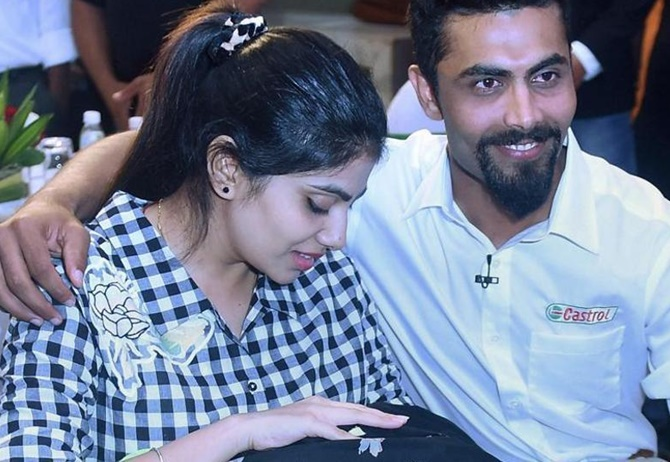 Rediff Cricket - Indian cricket - Cop assaults Ravindra Jadeja's wife after accident