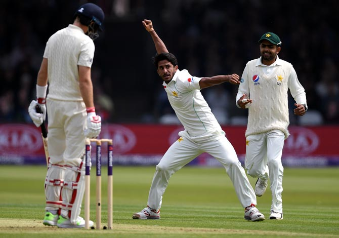 Rediff Cricket - Indian cricket - PHOTOS: Pakistan make careless England suffer at Lord's