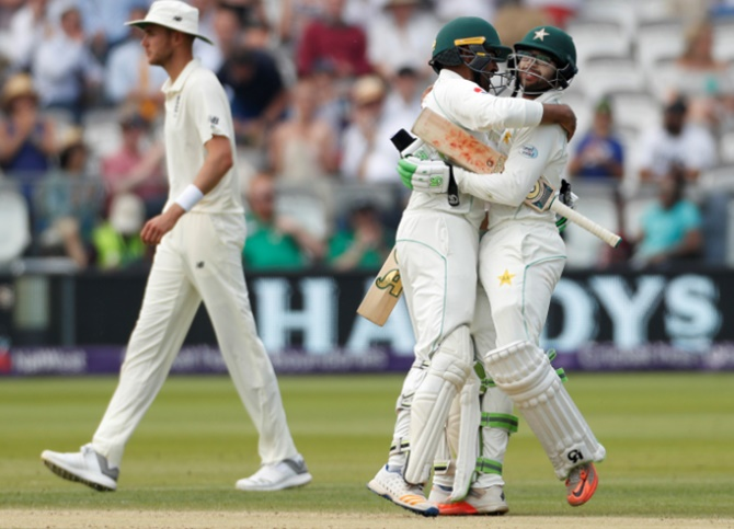 Rediff Cricket - Indian cricket - 1st Test: Pakistan crush sorry England at Lord's