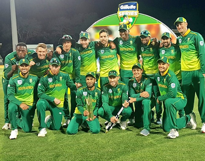 Rediff Sports - Cricket, Indian hockey, Tennis, Football, Chess, Golf - Miller and Du Plessis hit tons as South Africa seal series