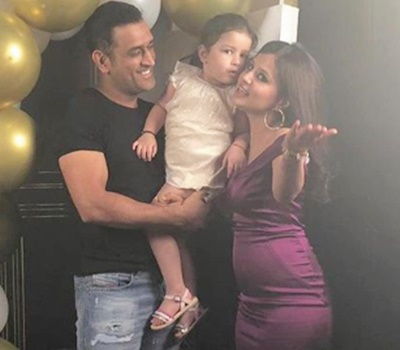 PIX: Dhoni celebrates wife's birthday in style