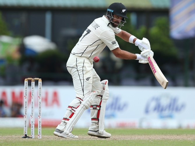 Grandhomme, Watling give Kiwis slender lead over SL