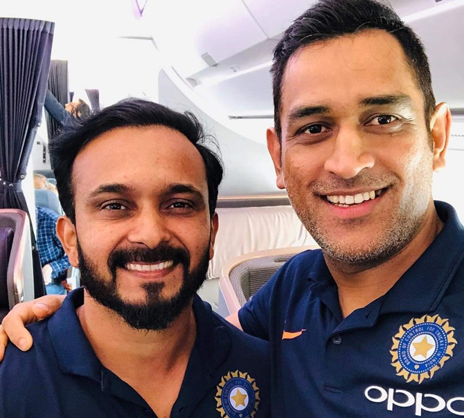 Rediff Sports - Cricket, Indian hockey, Tennis, Football, Chess, Golf - PIX: Dhoni, Rohit off to Australia for ODI series