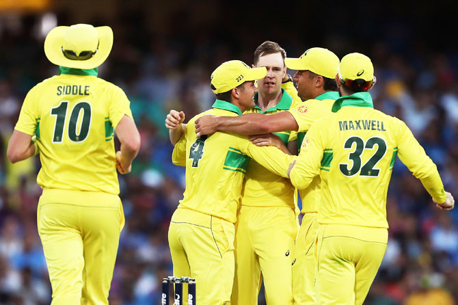 Rediff Sports - Cricket, Indian hockey, Tennis, Football, Chess, Golf - PIX: Australia record 1000th win across formats