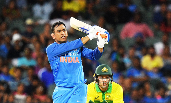 Rediff Sports - Cricket, Indian hockey, Tennis, Football, Chess, Golf - PHOTOS: Superb India overpower Aus to win 2nd ODI, level series