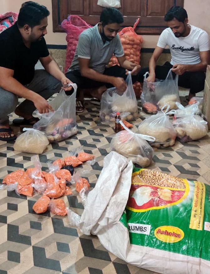 Lockdown Heroes: Nadeem, Jackson help the needy
