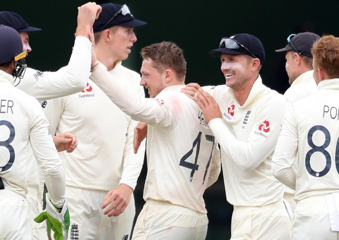 England's Bess claims five wickets as S Africa hang on