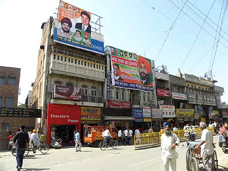Amritsar gears up for an interesting battle