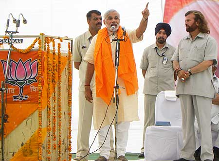 Narendra Modi campaigns in Jalandhar