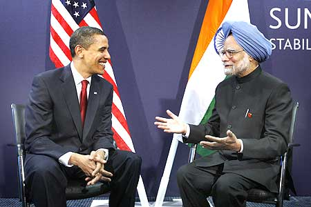 Dr Singh with US President Barack Obama during their bilateral meeting at the G20 Summit in London