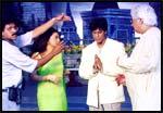 Aziz Mirza (right) directs Shah Rukh and Juhi in Phir Bhi Dil Hai Hindustani
