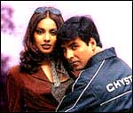 Akshay and Bipasha in Ajnabee