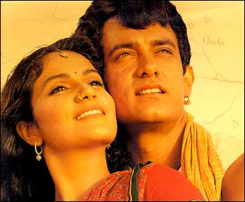 Aamir Khan and Gracy Singh in Lagaan