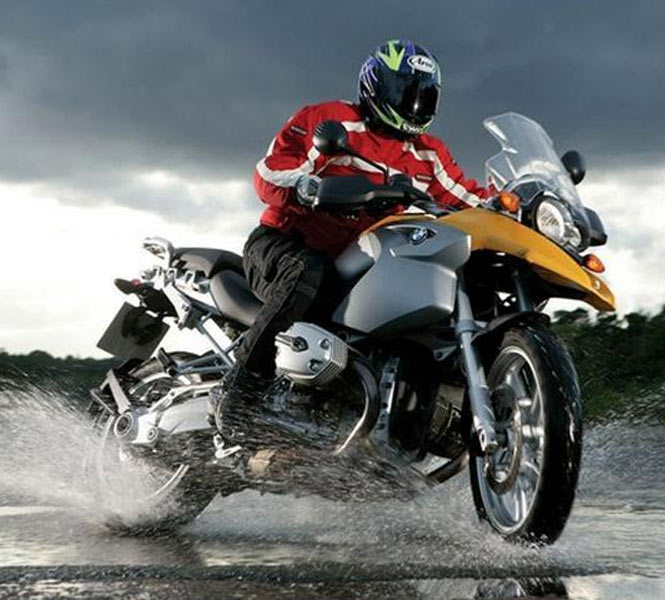 8 Safety Tips For Bikers During Rain