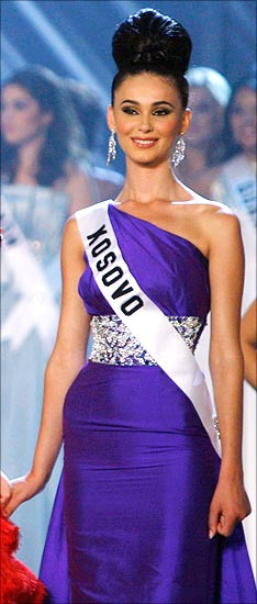 A look at all the Miss Universe pageant winners \'09 - Rediff Getahead