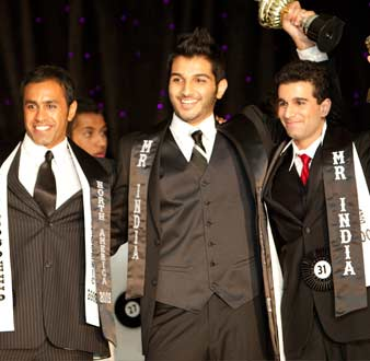(From L to R) Ajay Lall, Amit Mehta, Sunny Vacchar with their trophies
