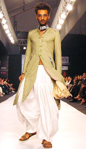 Not everyone can carry off a radical outfit like this one by Pakistani designer Syed Rizwanullah