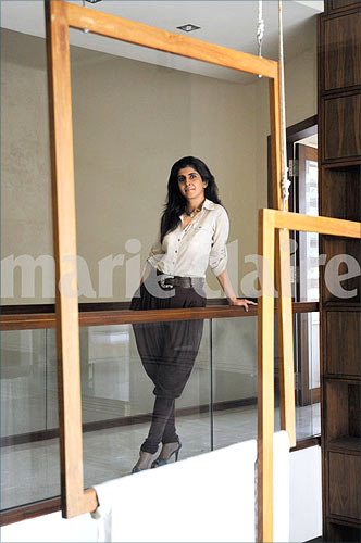 Explore Designer Kiran Uttam Ghosh S Fashionable Abode Rediff Getahead