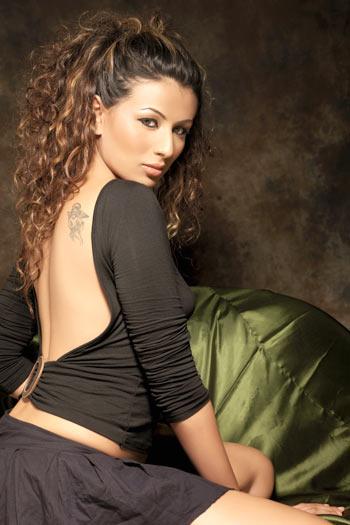 Get to know model Pia Trivedi