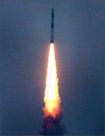 Sriharikota: PSLV-C9 carrying satellites soar into the sky after blasting off from Satish Dhawan Space centre on Monday