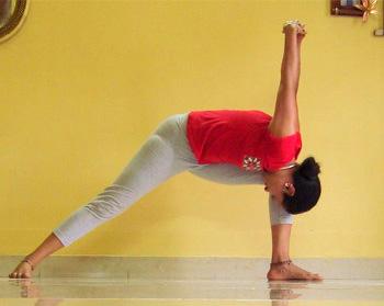 Dwikonasana (Double angle pose)