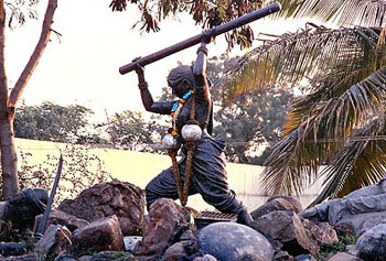 Obavva fought Hyder Ali's troops single-handedly with a pestle.