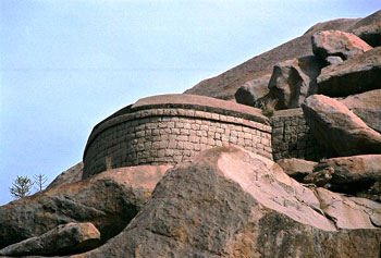 The Nayakas took independent control of the region after the fall of the Vijayanagar Empire in 1565.