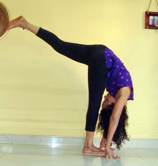 Bakasana (Crane pose, advanced version)