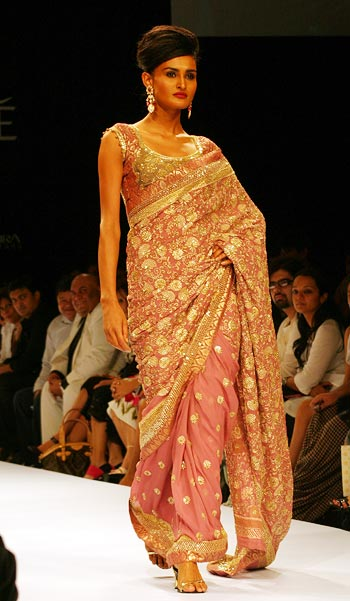 LFW: Indo-Mughal flavour from Shyamal and Bhumika