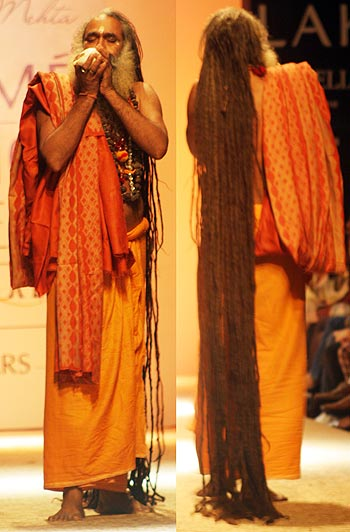 LFW: A conch-blowing sadhu, a live band and Indian magic