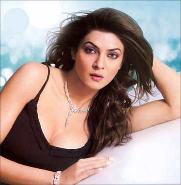 Decrease excess oil secretion for a flawless face like Sushmita Sen