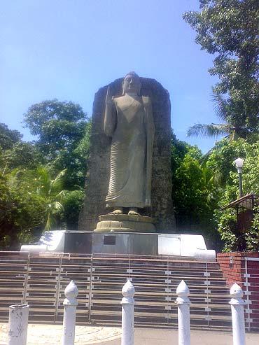 Avunka Buddha, Colombo, Sri Lanka