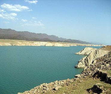 Gobind Sagar lake, Himachal Pradesh