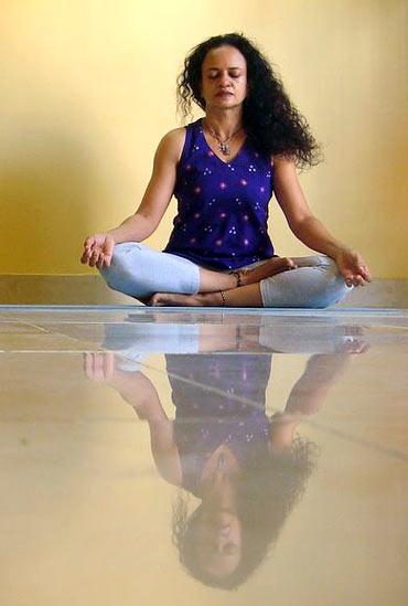 Sukhasana (easy pose)