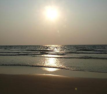 Perambur Beach, Mangalore