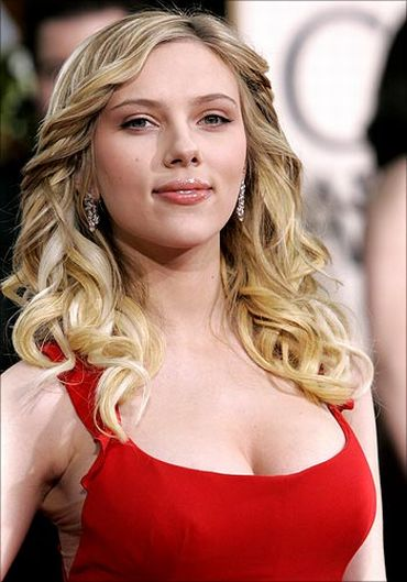 Condition only the tips of your hair for healthy bounce like Scarlett Johansson