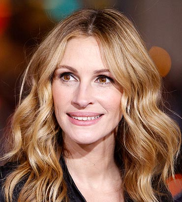 Light up with a lovely smile like Julia Roberts