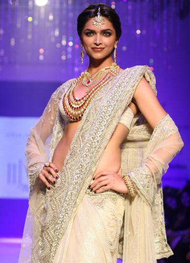 Deepika: I don't think size zero is attractive