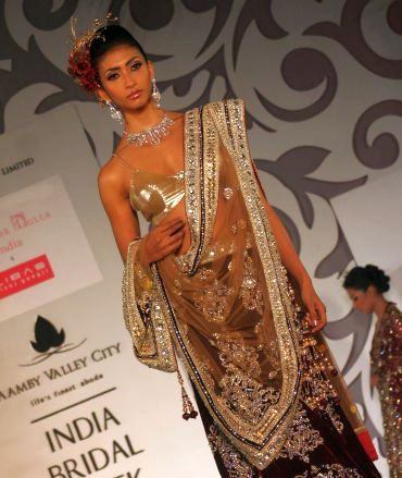 A dupatta and ensemble by Riyaz Gangji