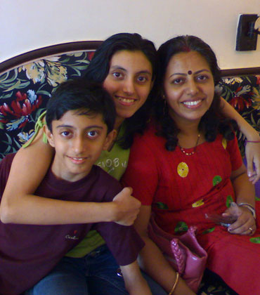 Shreya with her brother and mother before the accident