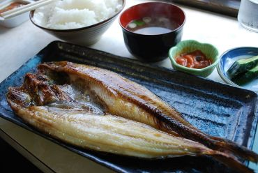 Mackerel contain omega-3 fatty acids, which can inhibit inflammation