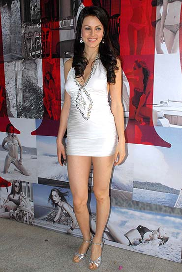 without panty pics of yana gupta. Yana Gupta- with or without