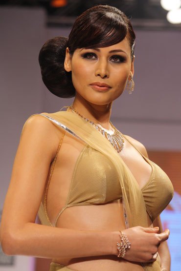 Young Supermodels 2010 http://forum.santabanta.com/showthread.htm