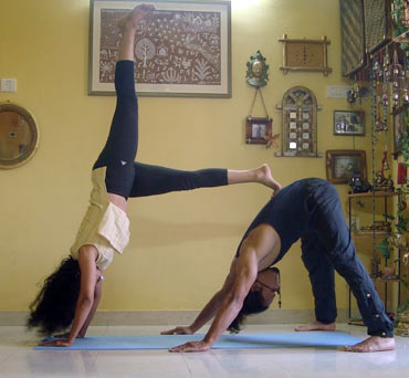 Ekapada adhomukha svanasana (One-legged downward dog pose)