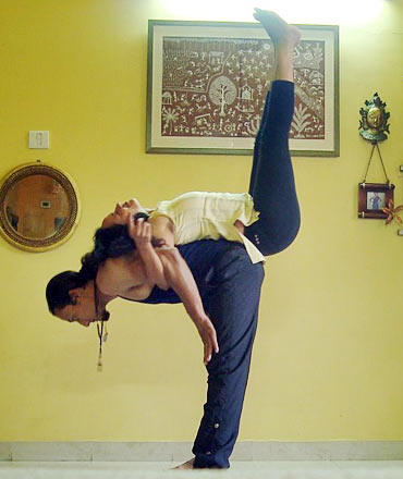 Dwipadasana (Double leg lift)