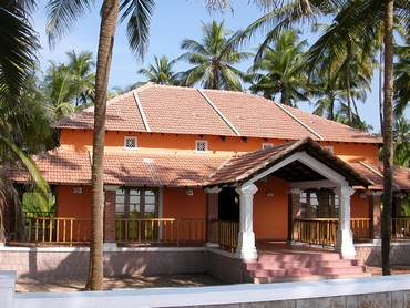 Independent villa by the beach and backwaters of Karnataka